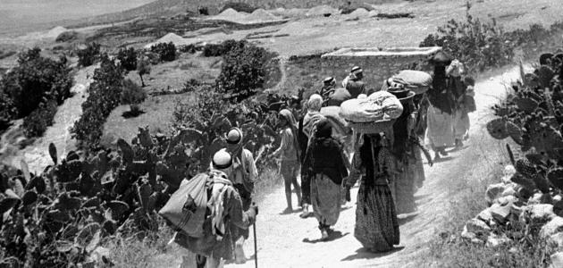 بين النساء في الاسلام في الماضي والتوجه في تحرر المرأه في الحاضر