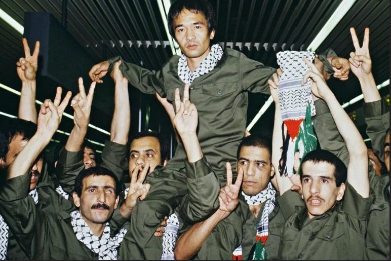 كوزو اوكاموتو .. الياباني الذي انضم للمقاومة الفلسطينية ونفذ عملية مطار اللد