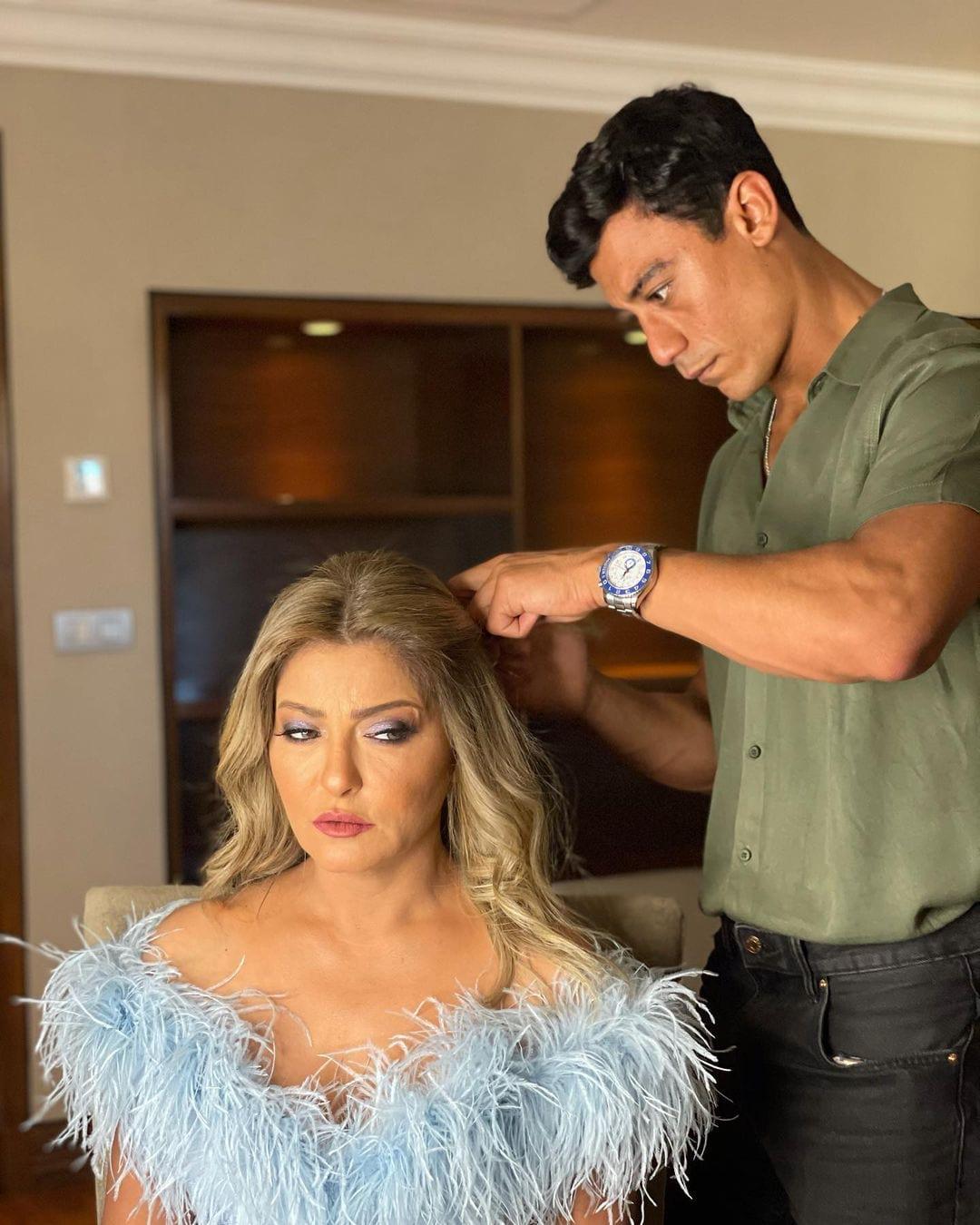 حفل زفاف كاميليا الدفراوى ابنة الفنانة علا غانم و شبه كبير بين الفنانة علا غانم وابنتها