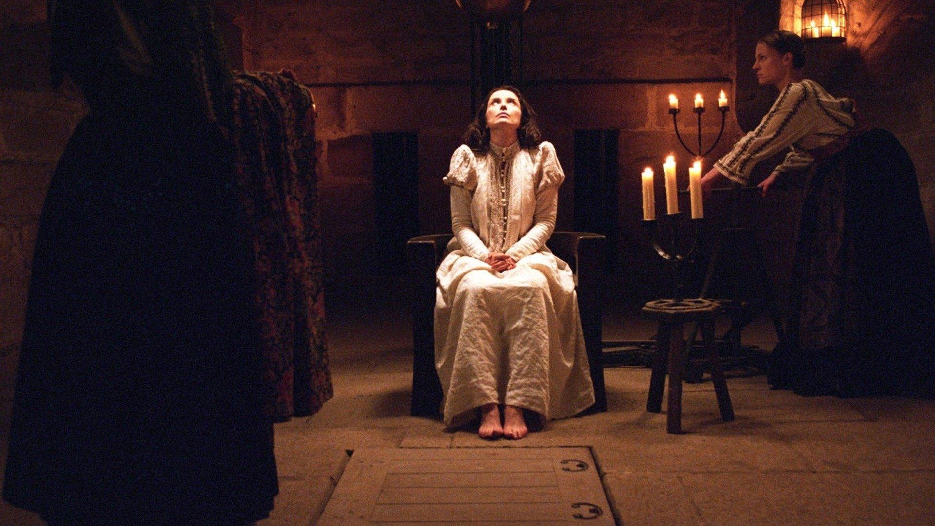 كيف تعلمت الكونتيسة إليزابيث باثوري أساليب التعذيب