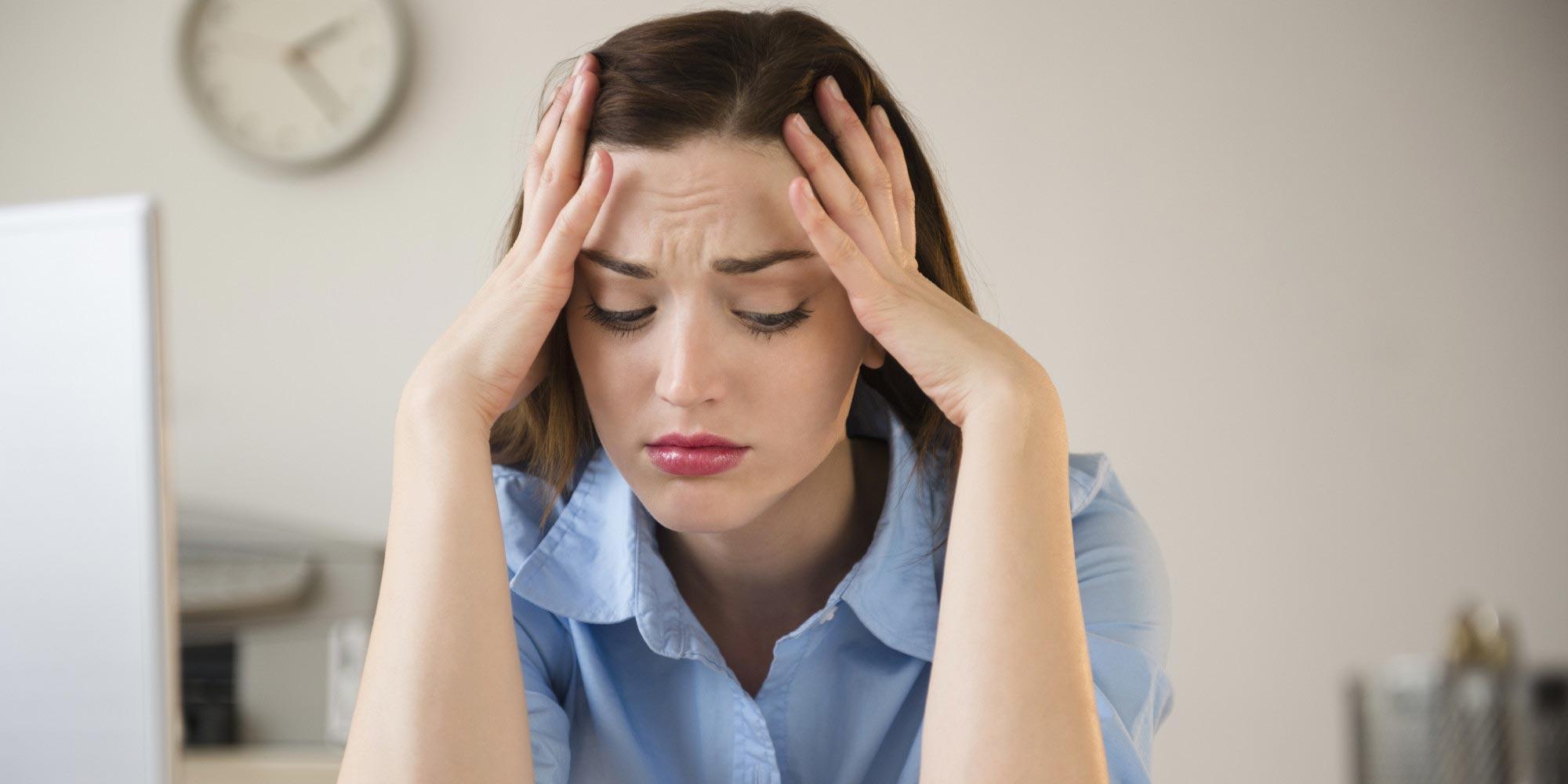 الفرق بين أعراض PMS و أعراض PMDD| أعراض الاضطراب المزعج السابق للحيض (PMDD) |