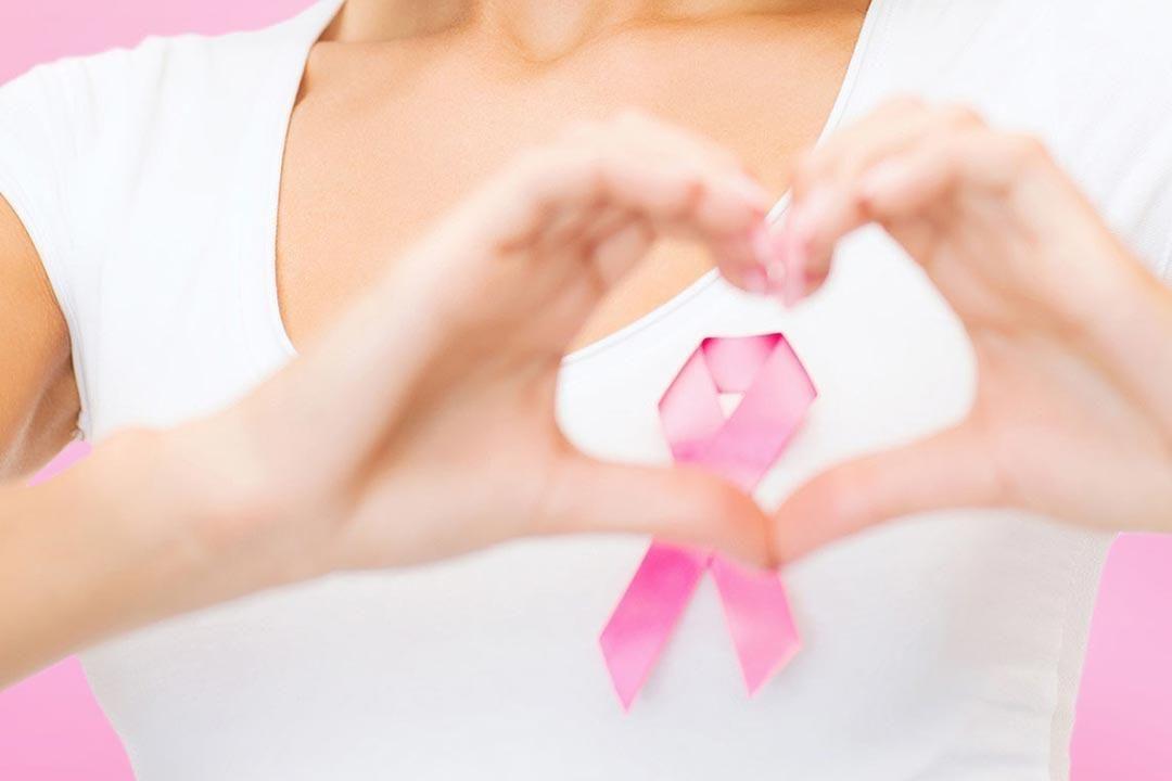 ما أهمية الفحص الذاتي للثدي في الاكتشاف المبكر لسرطان الثدي