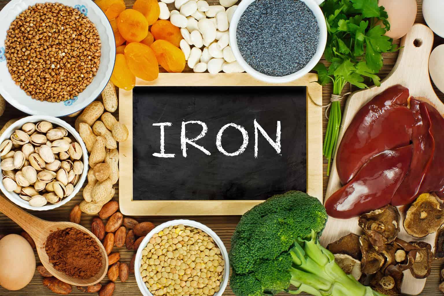 تناول الأطعمة التي تحتوي علي الحديد