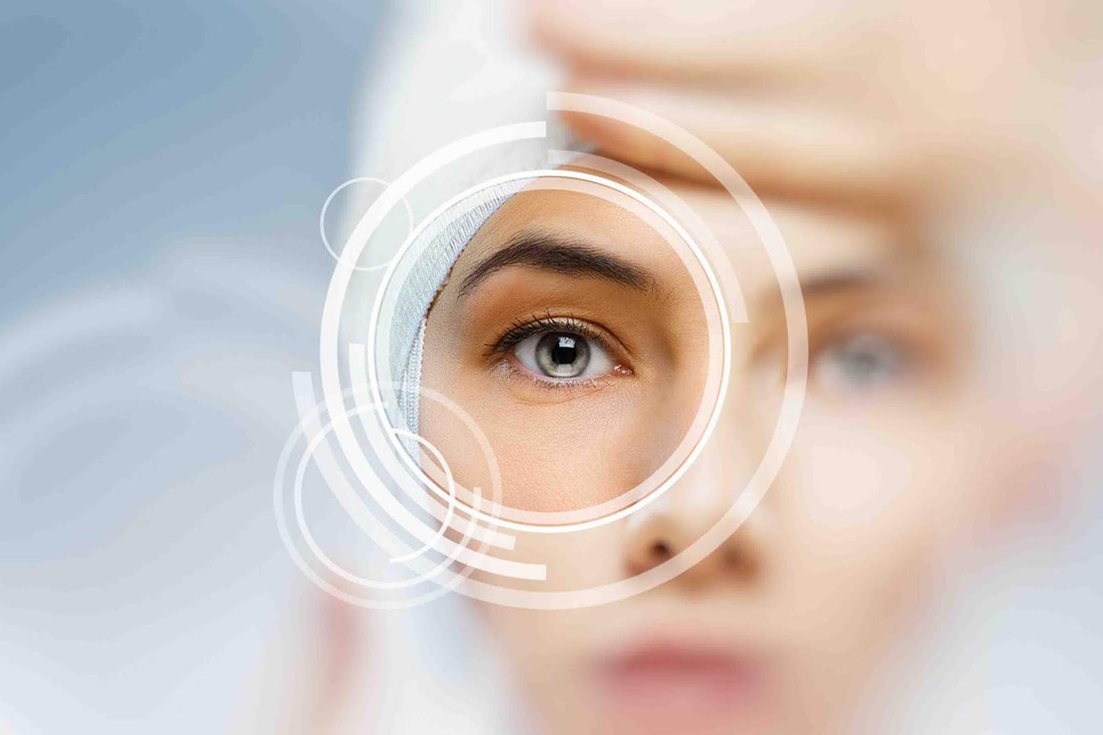 كيف تتم عملية زراعة عدسة العين
